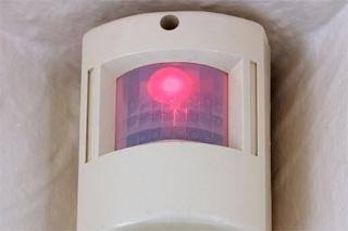 Alarma con sensor de presencia.